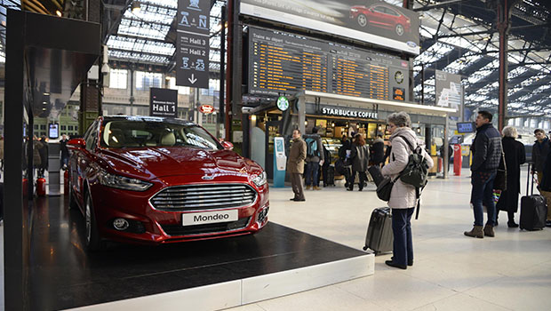 Ford Mondeo fait son show en Gare de Lyon